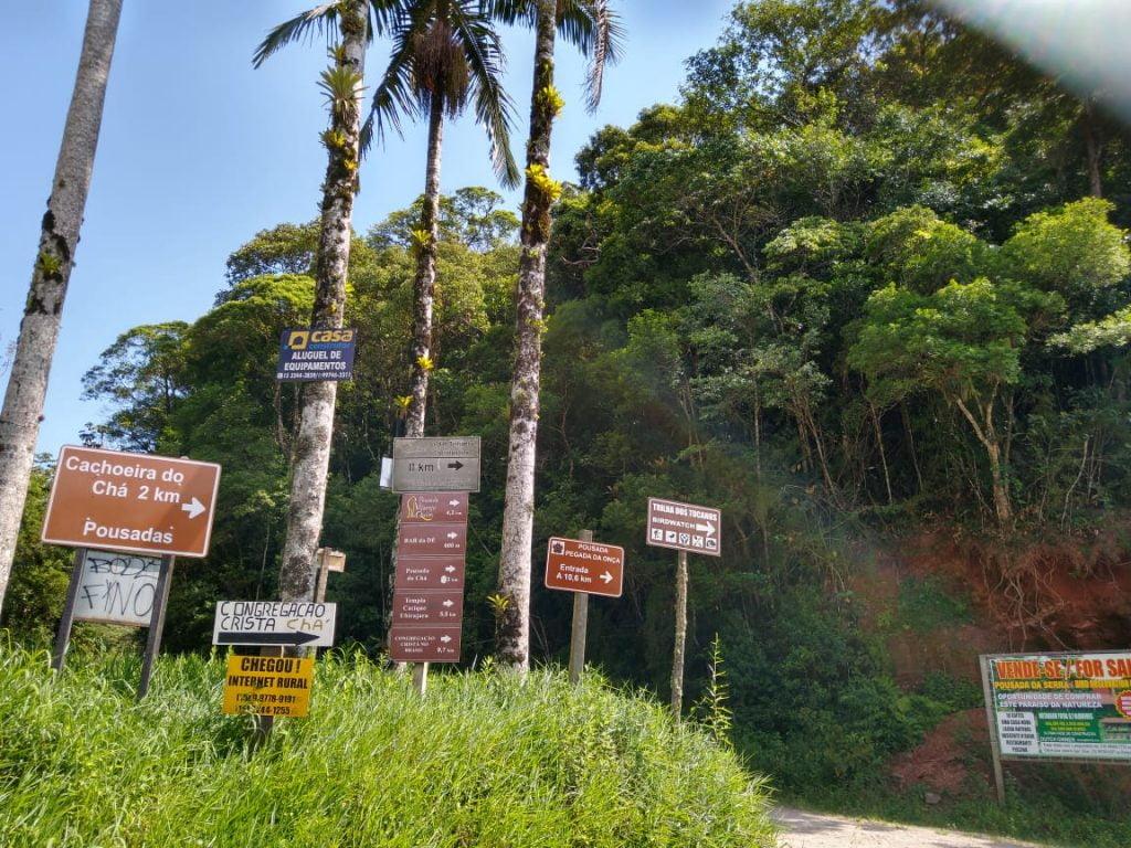 Entrada para Cachoeira do Chá pela Rodovia Coronel Celestino