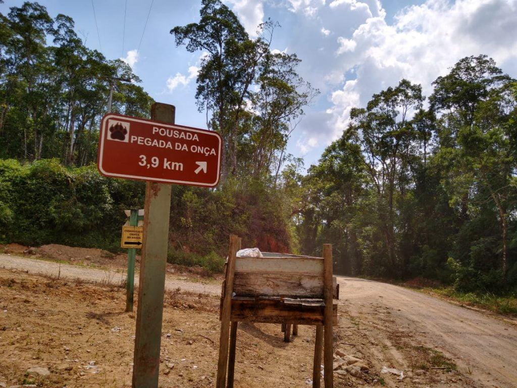 Entrada para Pousada Pegada da Onça à 3,9 Km